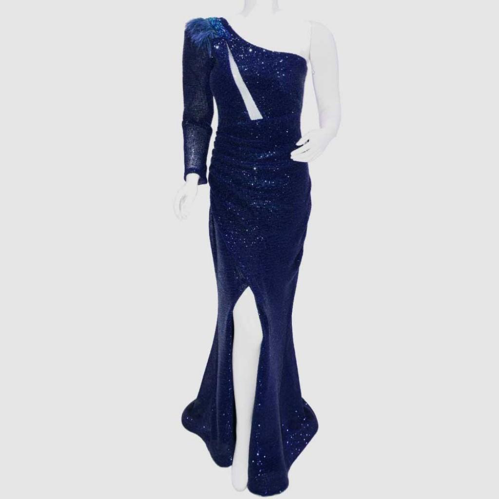 فستان سكري فتحة في الصدر كم واحد