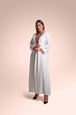 ثوب من قماش الكريب الخفيف مستوحاة من السدو