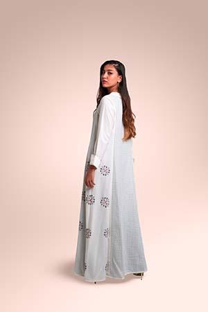 ثوب من قماش القطن مستوحاة من منطقة عسير