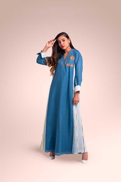 ثوب من  قماش اللينن مستوحاة من منطقة عسير