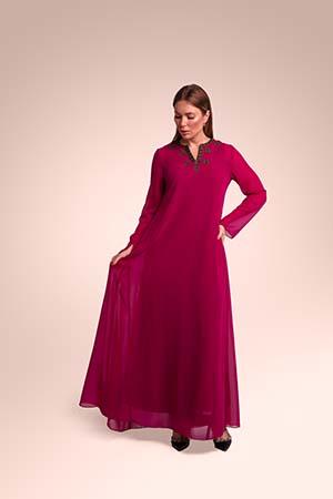 ثوب من قماش الكريب الخفيف مستوحاة من بني تميم