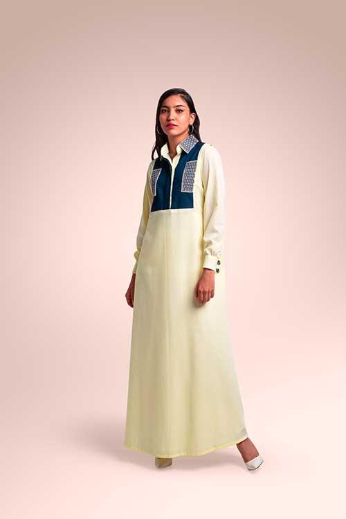 ثوب من  قماش اللينن مستوحاة من منطقة الحجاز